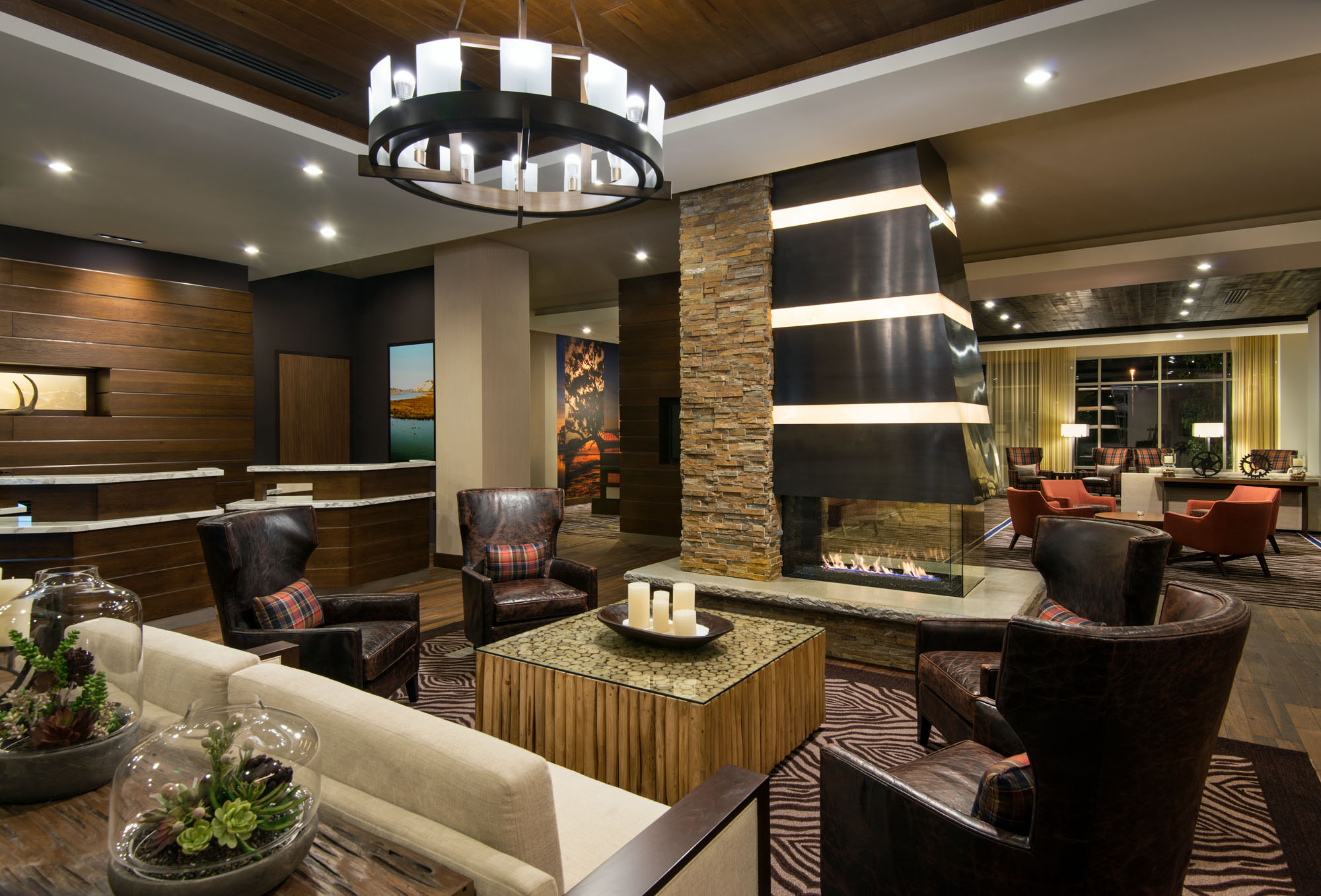 CY Irvine Spectrum 140702_SNASI_Entrance_Seating_Fireplace