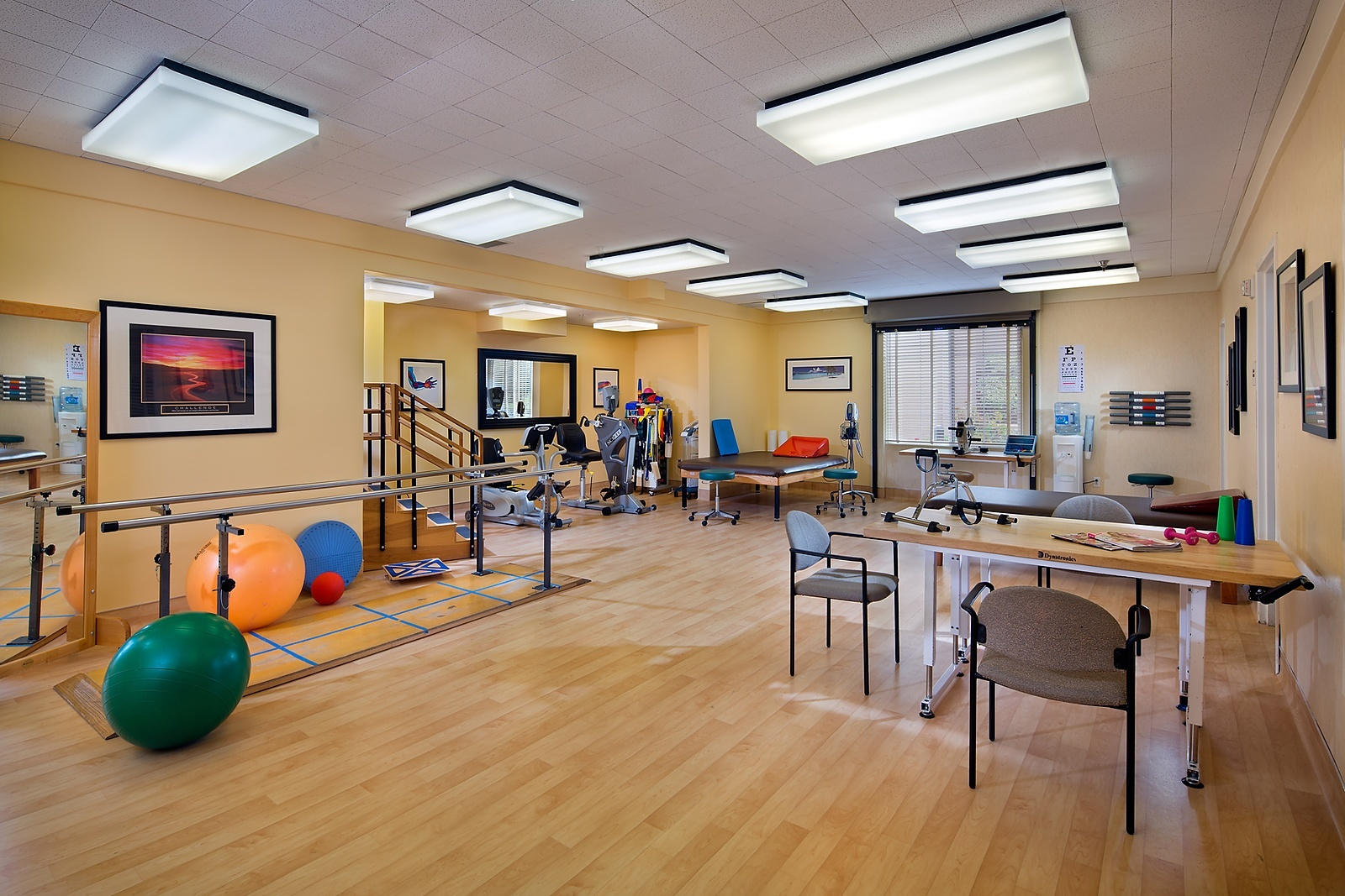 1518-08-Rehab-Glenbrook-Health-Center-Olson_EricFiggePhotos
