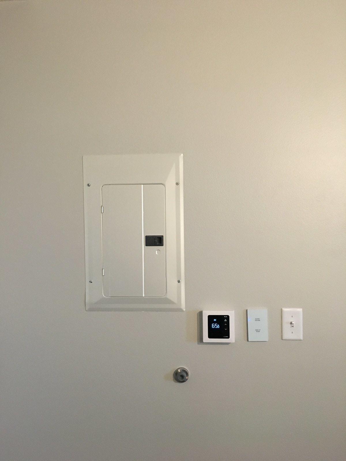 Healdsburg Suites Guestroom Thermostat