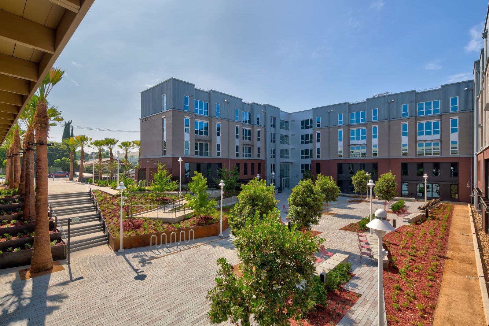 The K Residence Hall at Chapman University RD Olson Construction - courtyard_1_
