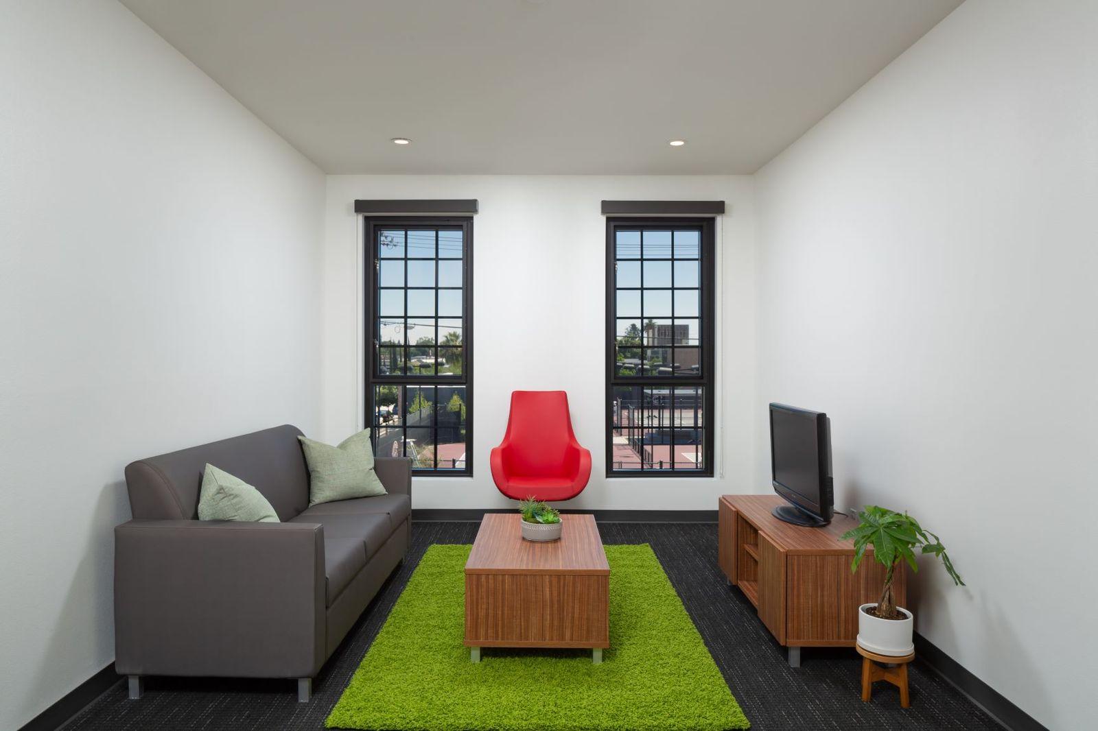 The K Residence Hall at Chapman University RD Olson Construction - Living Room